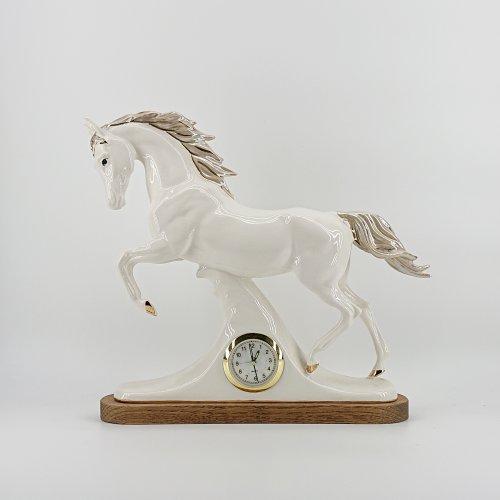 """Скульптура часы """"Лошадь"""""""
