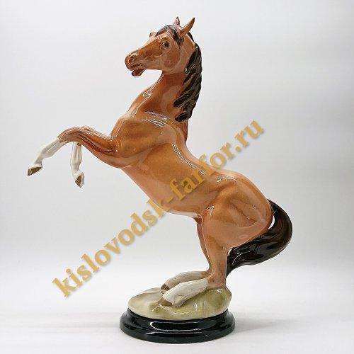 """Скульптура """"Лошадь коричневая"""""""
